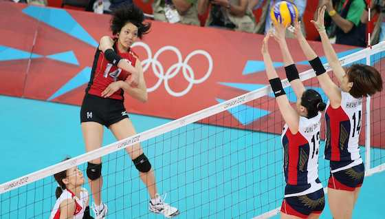 Japan's Sakoda (left) was a menace to Korea at the net, throughout the London 2012 bronze medal match