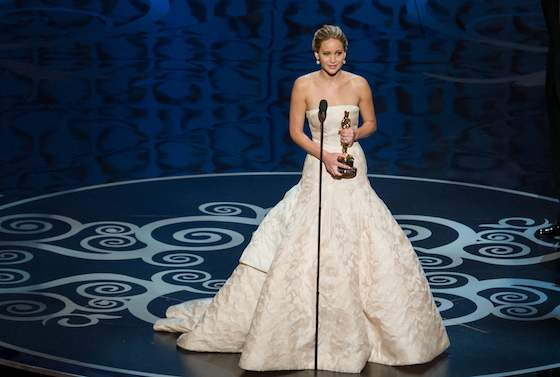 Jennifer Lawrence Makes Up for Forgotten Thank You's during Oscars