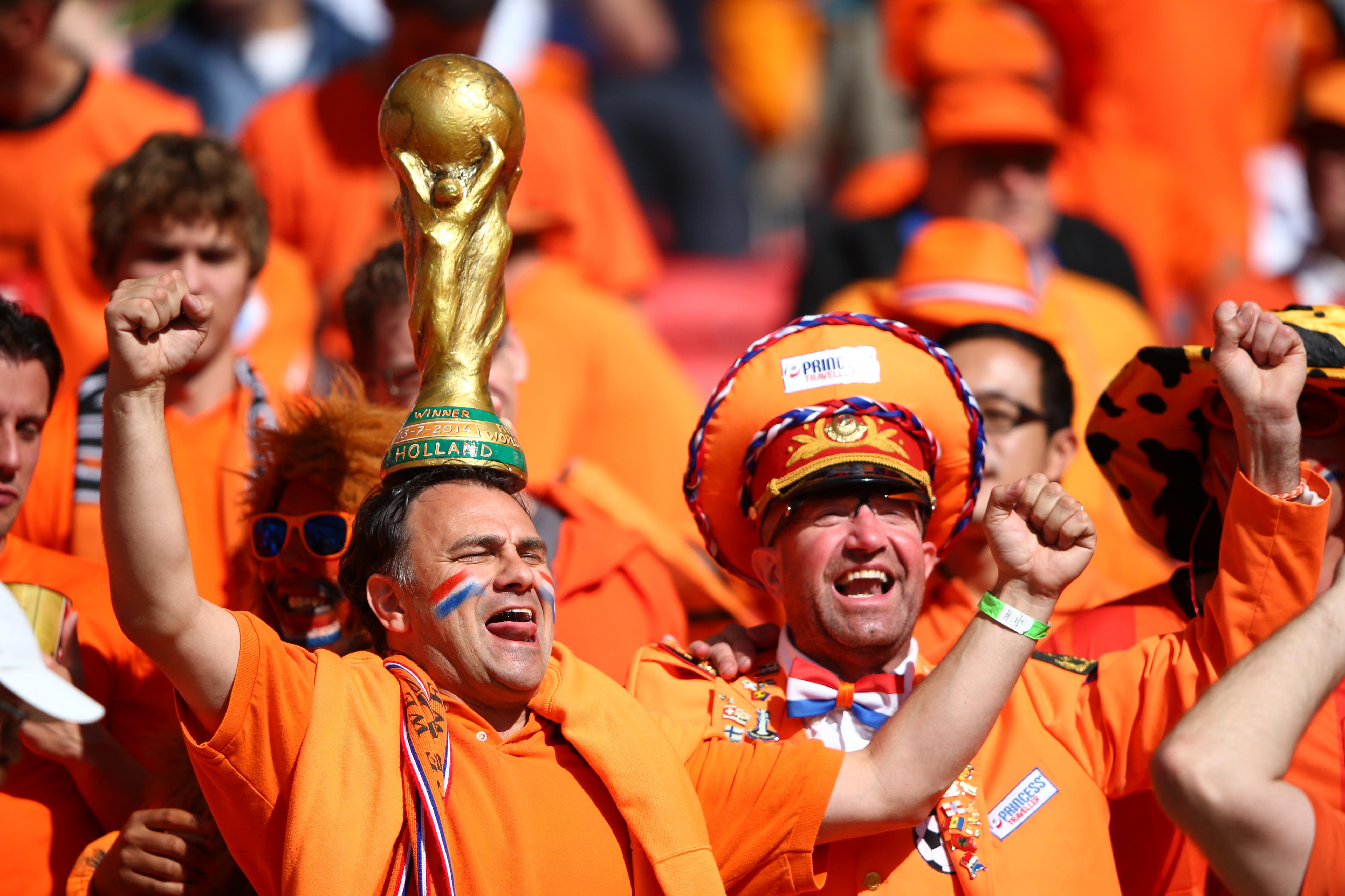 2014 World Cup Photos - Australia v Netherlands: Group B - 2014 FIFA World Cup Brazil | World Cup