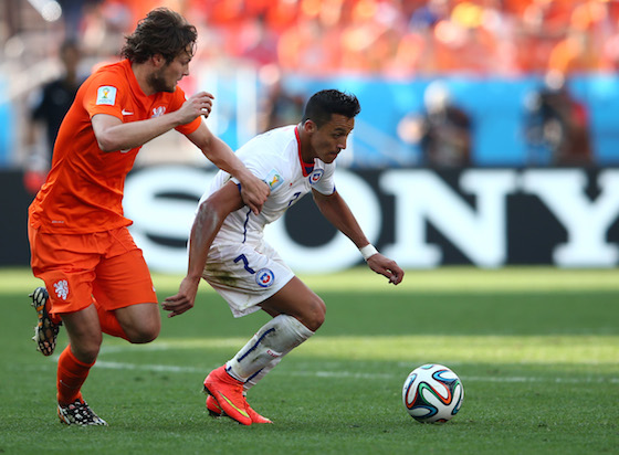 2014 World Cup Photos - Netherlands v Chile - Group B - 2014 FIFA World Cup Brazil - 2014 FIFA World Cup Brazil | World Cup