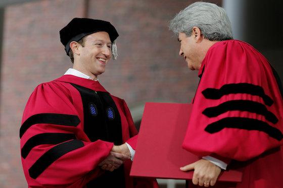 Facebook's Zuckerberg Urges Harvard Grads to Contemplate Risk
