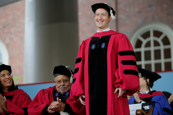 Facebook's Zuckerberg Urges Harvard Grads to Contemplate Risk