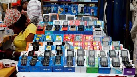 Africans Never Hung Up on Nokia's Old 'Brick'