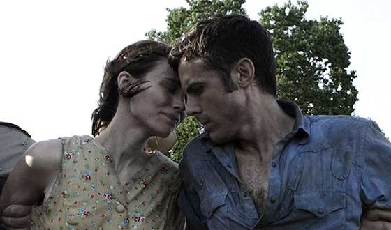 'Ain't Them Bodies Saints' Movie Review - Casey Affleck and Rooney Mara  | Movie Reviews Site