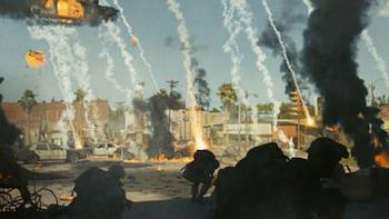Aaron Eckhart and Michelle Rodriguez in Battle: Los Angeles