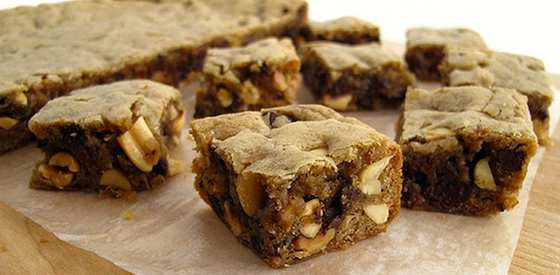Chocolate-Peanut Blondie Bites Recipe