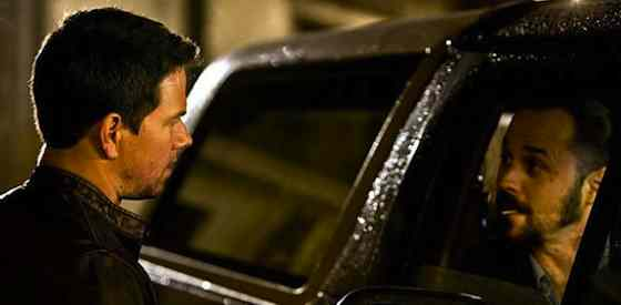 Mark Wahlberg and Kate Beckinsalein Contraband
