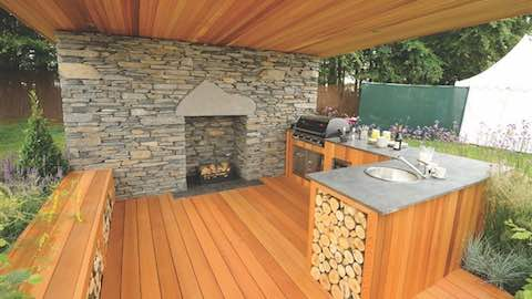 Creating The Perfect Outdoor Kitchen