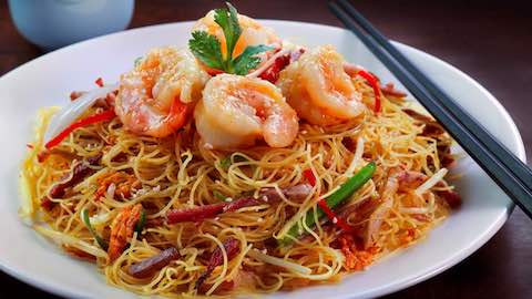 Crispy Shrimp with Chinese Noodles And Spicy Garlic-Soy Sauce