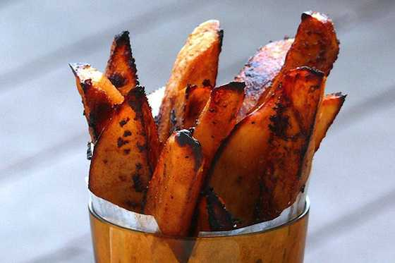 Crispy and Irresistible Oven-Baked BBQ Fries Recipe