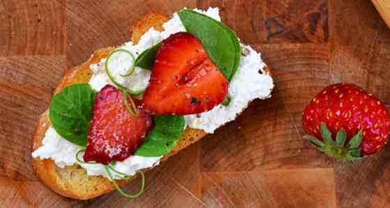 Crostini with Pea Shoots and Strawberries Recipe