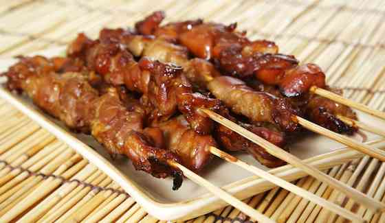 Chicken mashroom and capsicam satay in pinut sause