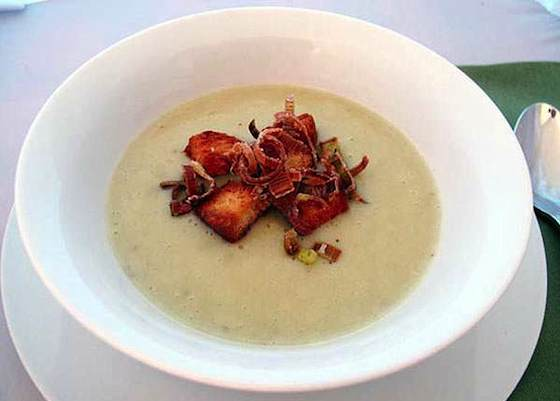 Easy Creamy Leek and Potato Soup Recipe