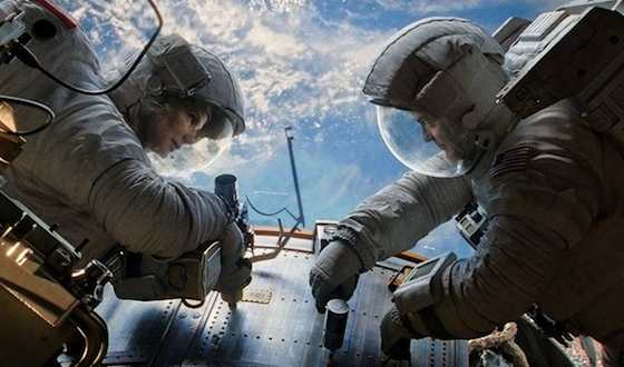 'Gravity' Movie Review - Sandra Bullock and George Clooney  | Movie Reviews Site