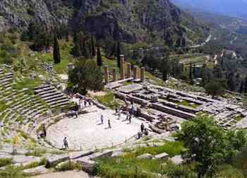 At Delphi's theater, singer-songwriters from all over the Greek-speaking world would perform hymns in honor of Apollo, accompanied by a flute or lyre