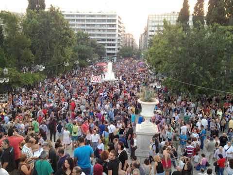Syntagma Square fills with people supporting the 'No' vote ahead of the referendum on austerity. Photo by Kia Mistilis.
