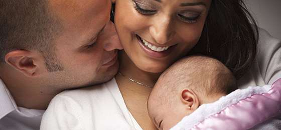How New Moms Can Balance Life & Love After Baby