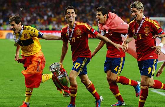 KIEV, UKRAINE - JULY 01: Iker Casillas, Alvaro Arbeloa, Javi Martinez and Fernando Torres of Spain celebrate victory during the UEFA EURO 2012 final match between Spain and Italy at the Olympic Stadium on July 1, 2012 in Kiev, Ukraine (Photo by Laurence Griffiths/Getty Images)