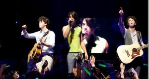 Jonas Brothers: The 3D Concert Experience Movie Review