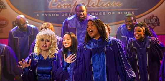 Queen Latifah and Dolly Partonin Joyful Noise