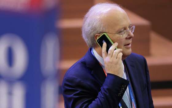 Karl Rove Stirs the Pot with Hillary Clinton Inuendo