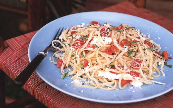 Light Summer Pasta with Tomatoes and Corn Recipe