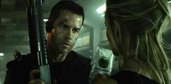 Guy Pearce and Maggie Gracein Lockout