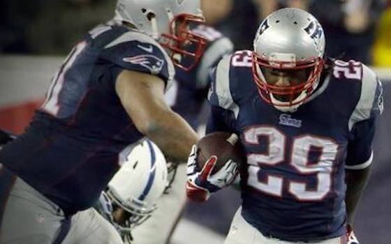 Legarrette Blount Runs Rampant Past Colts as Patriots Advance to AFC Title Game