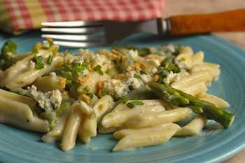 Penne Asparagus With Gorgonzola Sauce