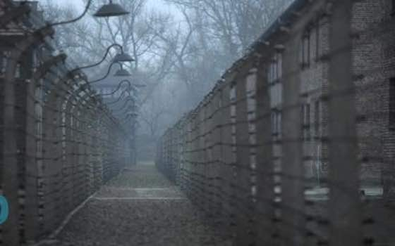 Decades After Auschwitz, Past Horrors Haunt a Polish Town