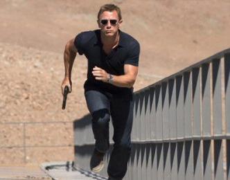 Quantum of Solace   Movie Review & Trailer   New James Bond Film   Daniel Craig as James Bond 007