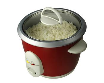 You can use an ordinary rice cooker to cook a wide range of one-pot dishes, including this tasty recipe.