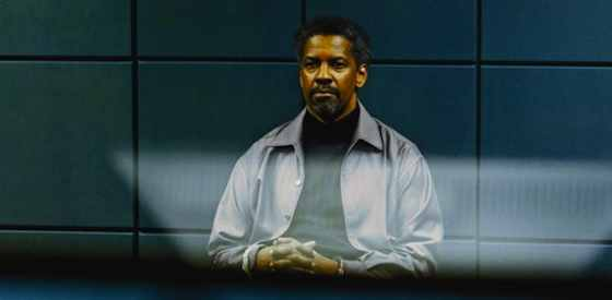 Denzel Washington and Ryan Reynoldsin Safe House