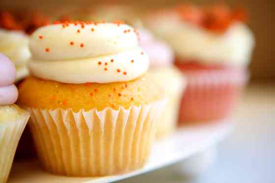Sour Cream Vanilla Cupcakes Recipe