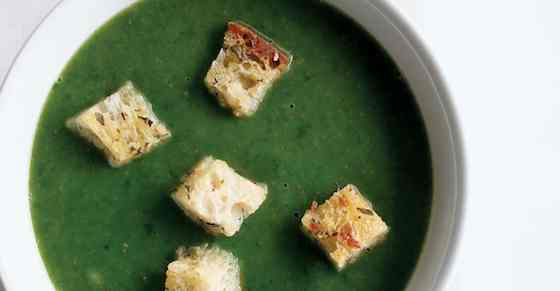 Spinach Soup with Rosemary Croutons Recipe