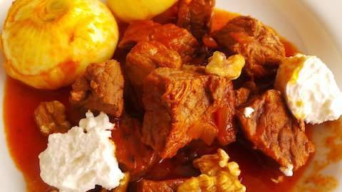 Stifado: Greek Classic for a Special Dinner at Home Recipe