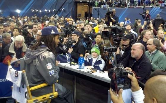 Super Bowl XLVIII: Marshawn Lynch Shows Up for Media Day
