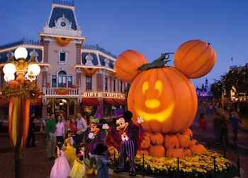 Mickey and Minnie welcome guests to Halloween Time at Disneyland Taking the Kids: Meeting Up with Some Ghosts and Goblins