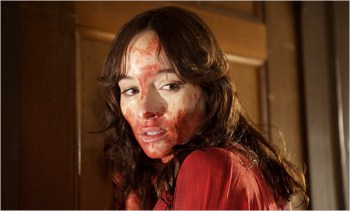 Jocelin Donahue & Greta Gerwig in the movie The House of the Devil