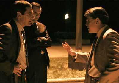 Matt Damon & Scott Bakula in the movie The Informant