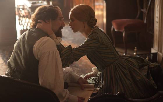 'The Invisible Woman' Movie Review