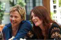 Annette Bening & Julianne Moore in the movie The Kids Are All Right