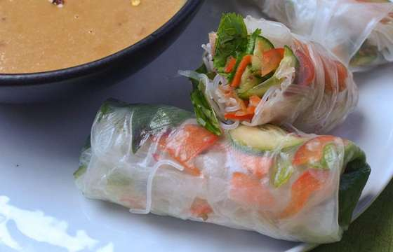 Vietnamese Vegetable Summer Rolls with Spicy Peanut Sauce Recipe