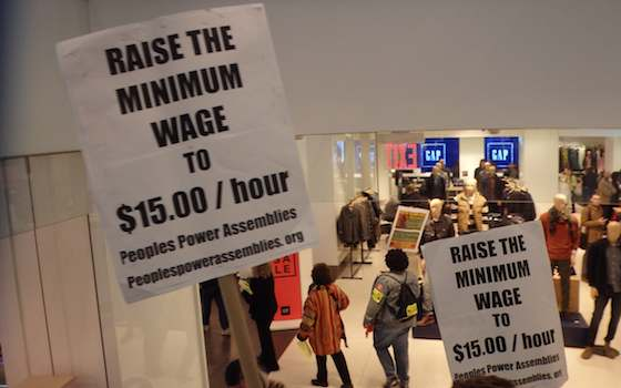 Why the Right Should Support Boosting Minimum Wage, Too