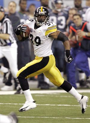 Willie Parker of the Pittsburgh Steelers was named AFC Offensive Player of the Week for NFL 2008 Week 1