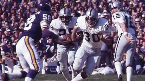 Super Bowl XI: Oakland Raiders 32 Minnesota Vikings 14 - MVP Raiders WR Fred Biletnikoff