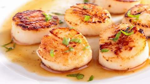 Bay Scallops with Sauteed Apples  Recipe